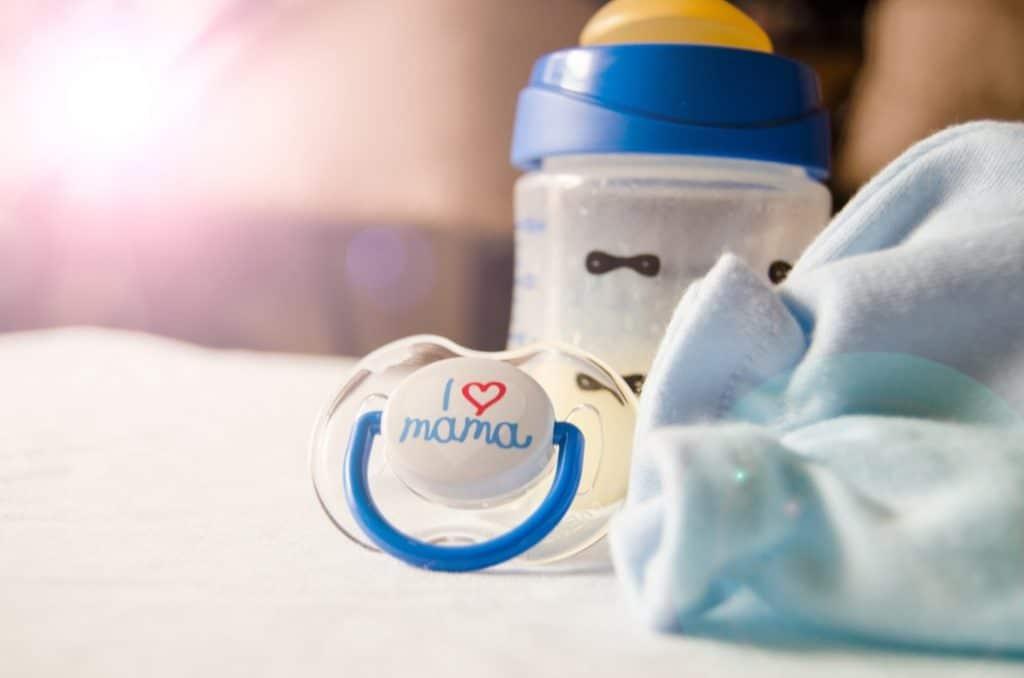 Bottles for Breastfeeding Baby