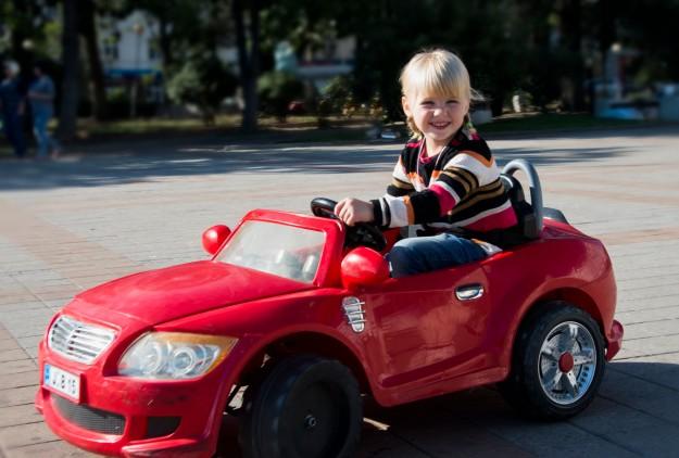 Best 12 V Ride On Cars